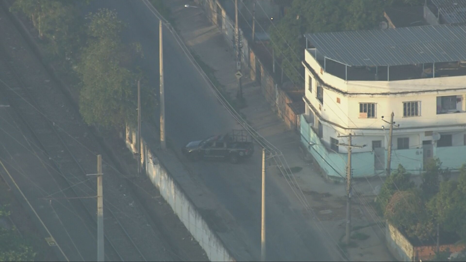 Polícia faz operações em diferentes comunidades do Rio na manhã desta terça-feira