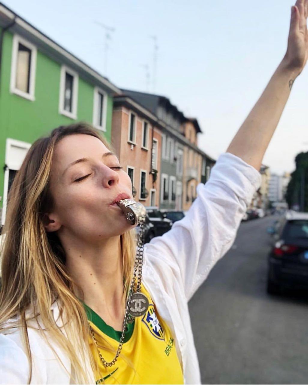 Flavia Lucini: A garra da torcida inteira vai junto com você BRASIL (Foto: Reprodução/Instagram)