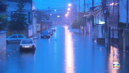 Chuva forte causa vários pontos de alagamento no Rio de Janeiro