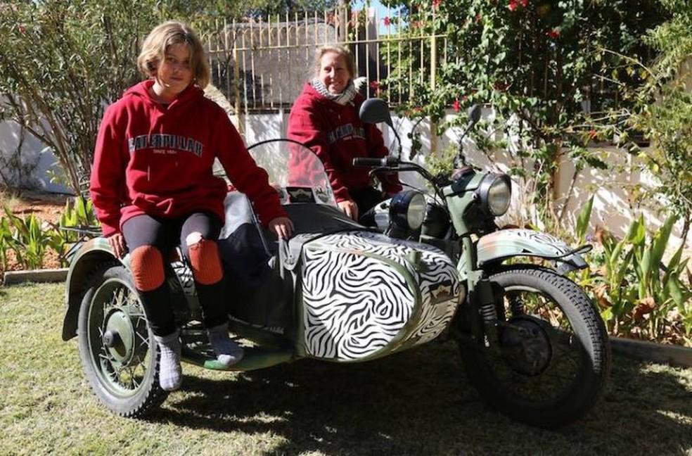 Sofia e Melanie usaram na vigem uma Ural 750cc com sidecar ano 2003... (Foto: Divulgação)