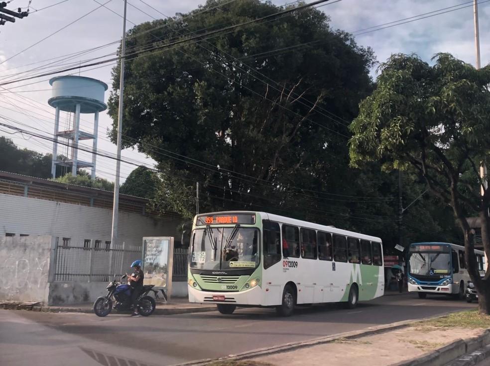 Ônibus voltam a circulação em Manaus, após dois dias de serviço prejudicado — Foto: Matheus Castro/G1
