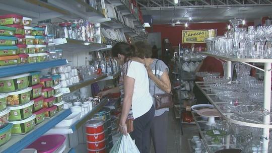 Comércio de São Carlos faz liquidações para atrair clientes