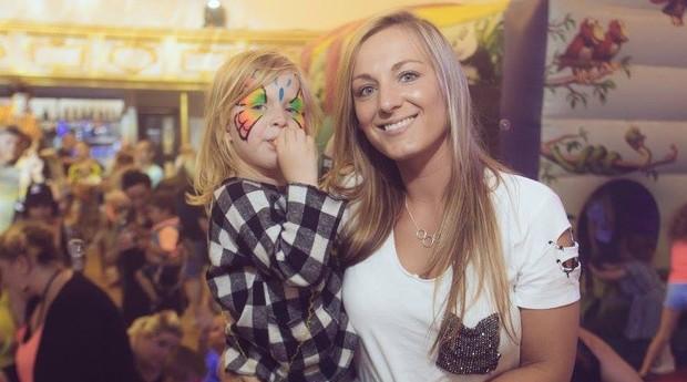 Nas festas da Raver Tots, pais e filhos se divertem juntos (Foto: Divulgação)