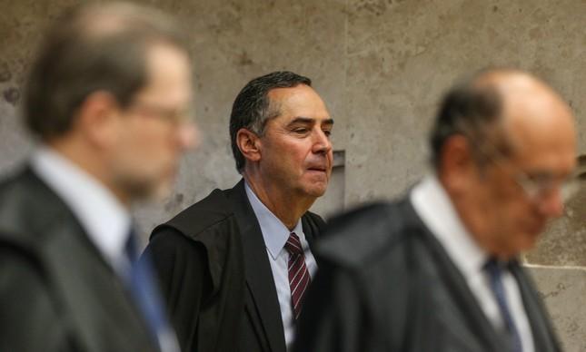 Barroso, Dias Toffoli e Gilmar Mendes ao chegar para a sessão do Supremo Tribunal Federal