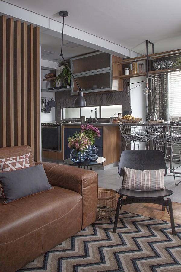 integração entre cozinha, sala de jantar e living