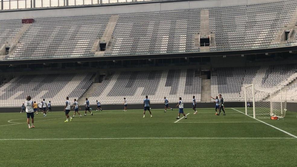 Treino do Grêmio na Arena da Baixada — Foto: Victor La Regina
