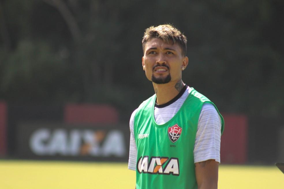 Kieza quer o Botafogo, e o Alvinegro o quer. (Foto: Maurícia da Matta/Divulgação/EC Vitória)
