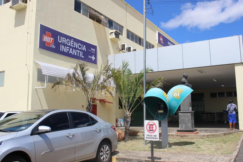 Bebê continua internado na Urgência Infantil do HUT, em Teresina — Foto: Catarina Costa/G1