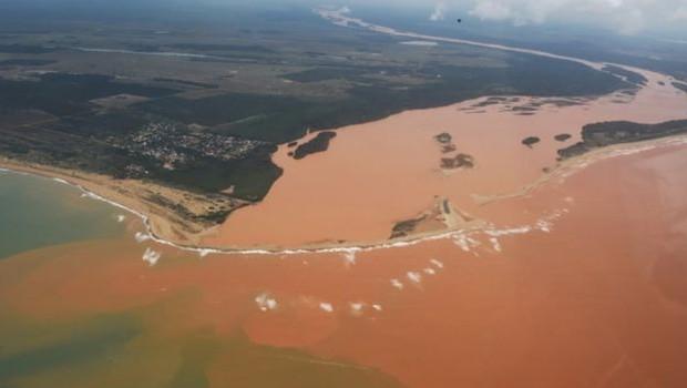 Há três anos, barragem da Samarco se rompeu e causou um dos maiores desastres ambientais da história (Foto: FRED LOUREIRO/SECOM-ES via BBC News Brasil)