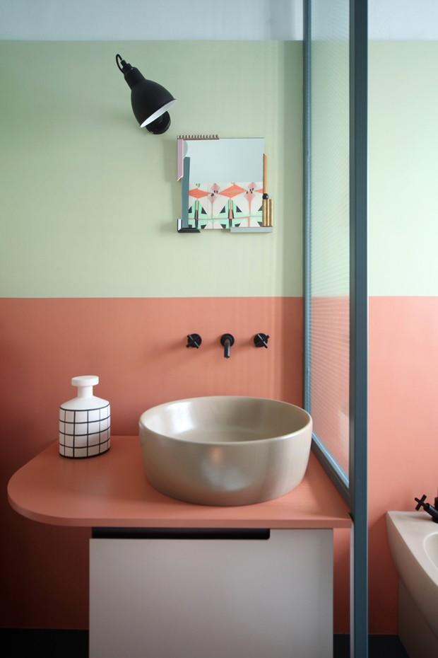 Lavabos decorados com cores e minimalismo (Foto: Divulgação)