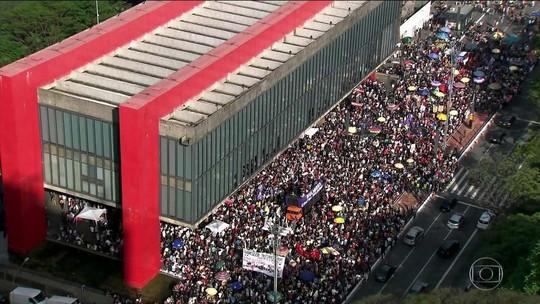 Protestos contra candidatura de Bolsonaro ocorrem em 29 cidades