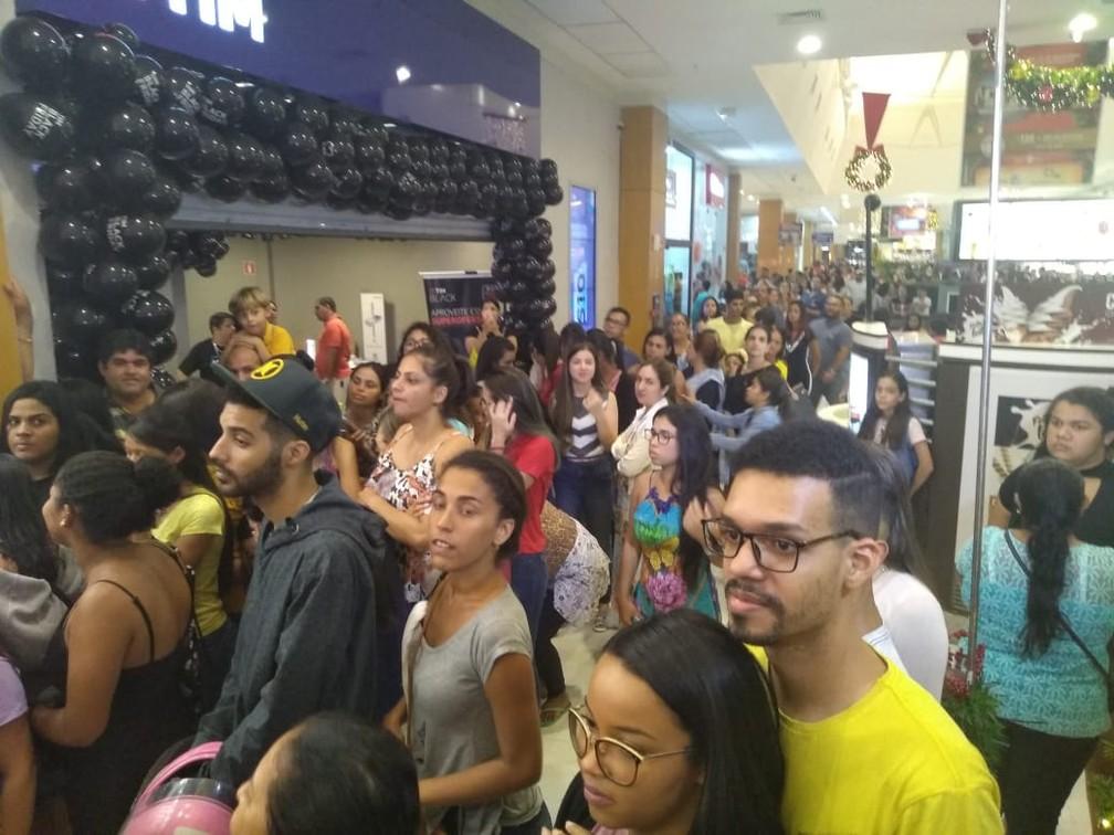 Mutisão lota shopping de Maceió em busca das ofertas da Black Friday — Foto: Assessoria