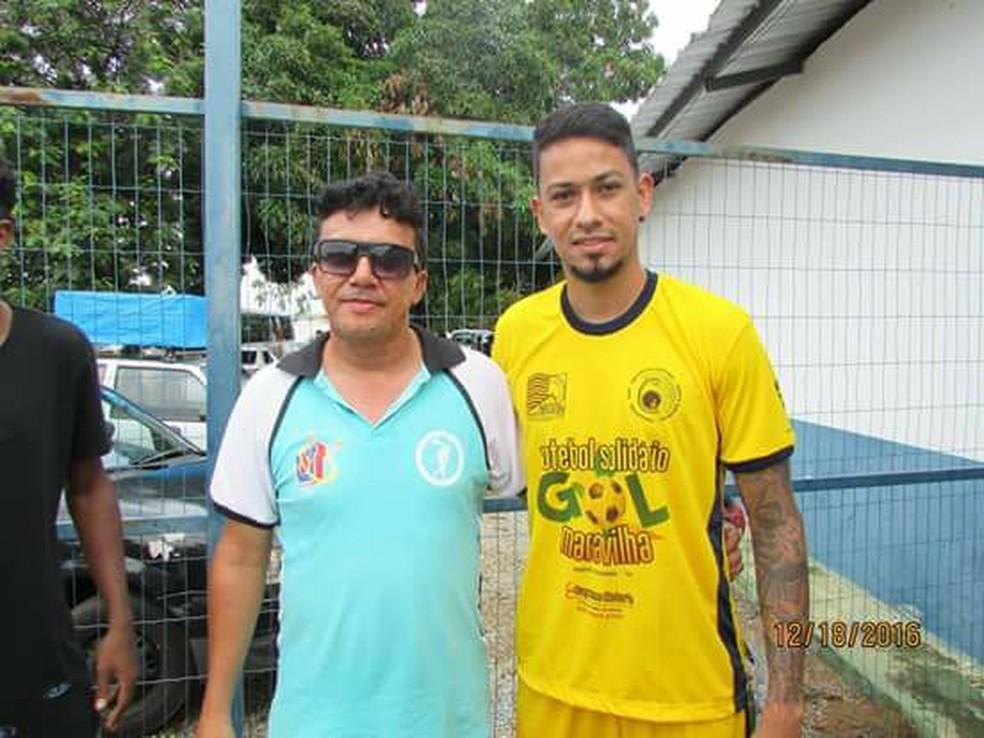 Armandinho ao lado do jogador Lucca, corpo de técnico foi encontrado pela irmã (Foto: Divulgação/Arquivo Pessoal )