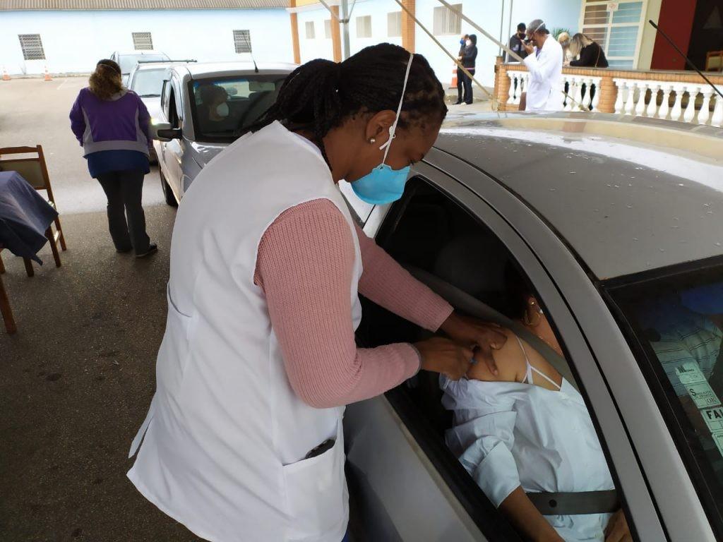 Pessoas que tomaram 1ª dose da Pfizer até 28 de junho recebem 2ª aplicação em Sorocaba