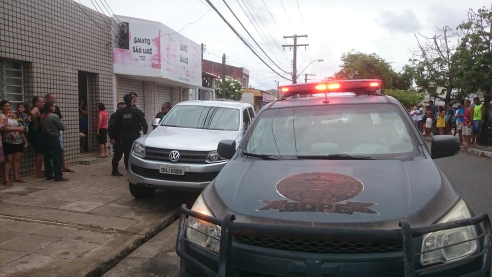 Militares do Bope frustraram assalto a estabelecimento comercial no bairro do Prado (Foto: Cau Rodrigues/G1)