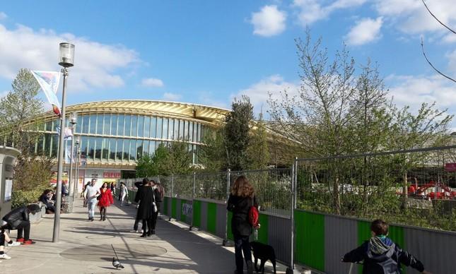 Les Halles, que ja abrigou o mercado municipal de Paris e um feioso shopping center, adentra a Primavera renovado e cheio de boas atrações
