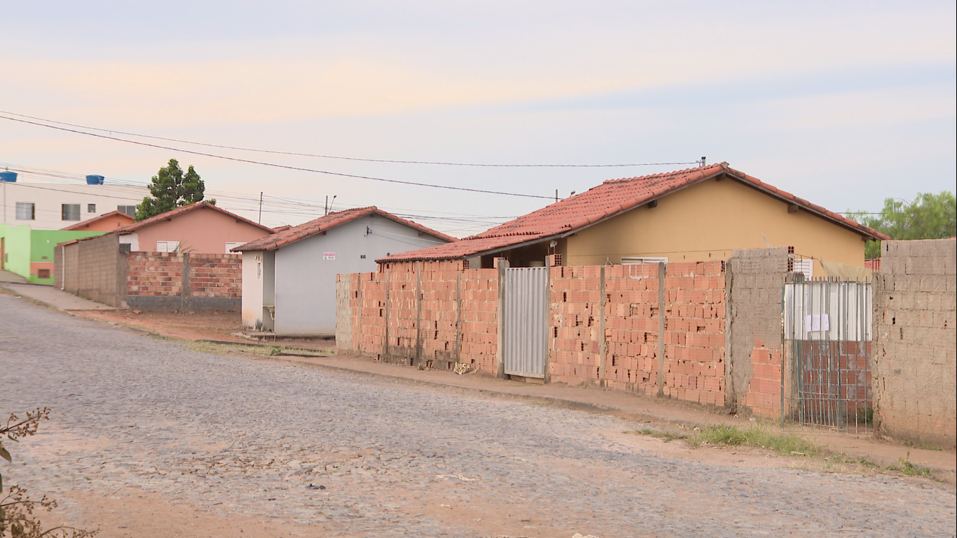 Prefeitura pede que Caixa Econômica Federal adie retomada imediata das casas irregulares do 'Minha Casa Minha Vida' em Divinópolis