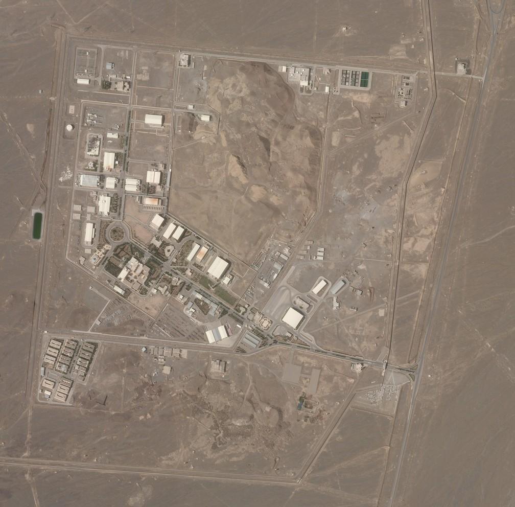 Foto de satélite mostra a instalação nuclear iraniana de Natanz em 7 de abril de 2021. Irã diz que complexo nuclear iraniano foi alvo de 'terrorismo' — Foto: Planet Labs Inc. via AP
