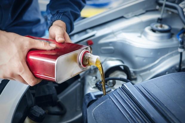 Lubrificantes e óleos automotivos (Foto: Thinkstock)