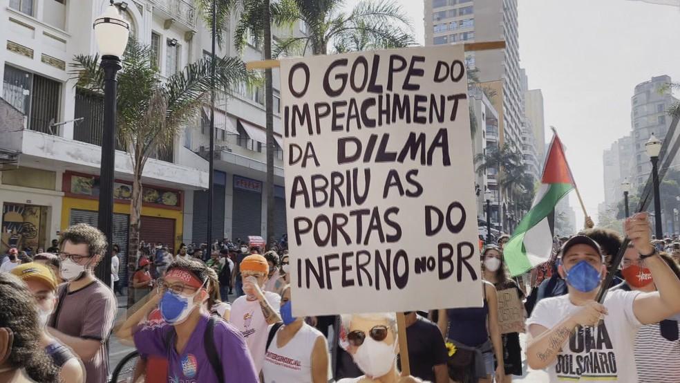 Manifestantes protestam contra o negacionismo do presidente Jair Bolsonaro e ataques ao estado democrático de direito  — Foto: Reprodução/TV Globo