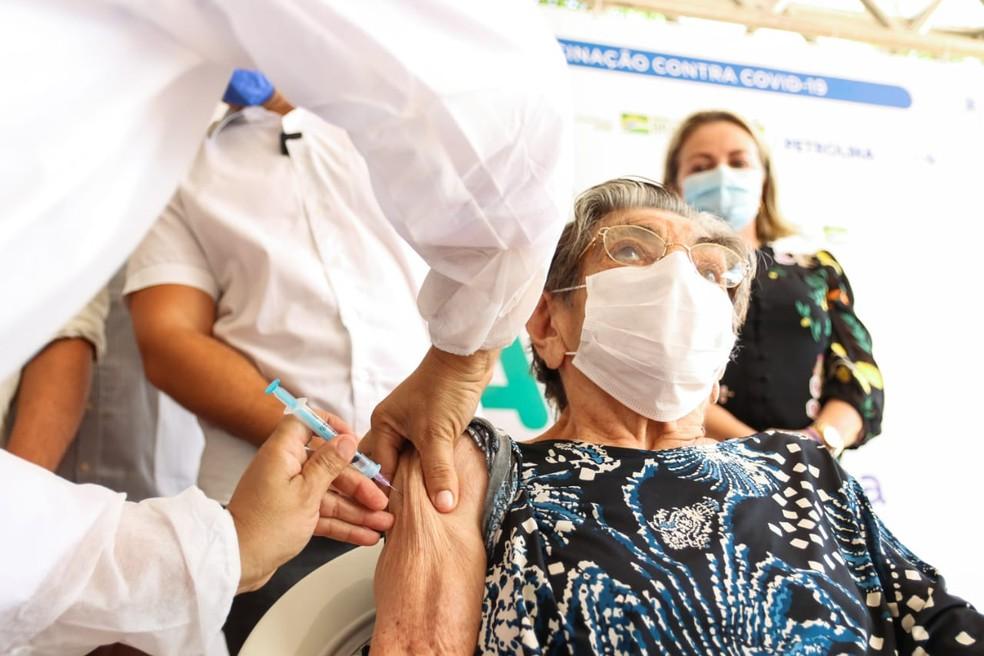 Vacina contra Covid-19 em Petrolina: veja quem pode ser vacinado hoje e o  que fazer | Petrolina e Região | G1