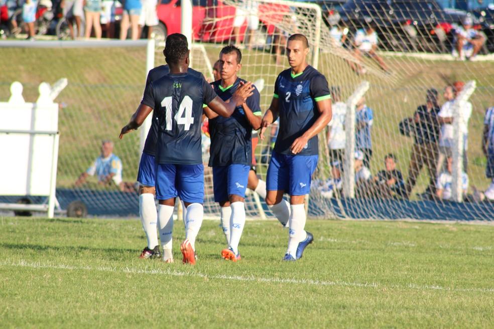 CSA disputou o primeiro jogo-treino, contra o Sindicato dos Atletas (Foto: Denison Roma/GloboEsporte.com)