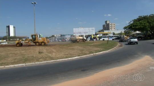 Prefeituras iniciam obra para substituir  rotatória próxima aos Correios por cruzamento com semáforos