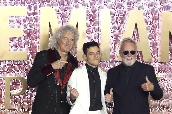 Os músicos Brian May e Roger Taylor com o ator Rami Malek, intérprete de Freddie Mercury (1946-1991) em Bohemian Rahpsody (2018) (Foto: Getty Images)
