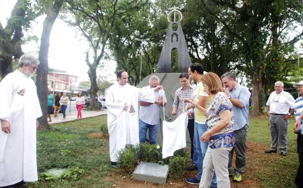 Santos inaugurou monumento a Nossa Senhora Aparecida (Foto: Raimundo Rosa/Prefeitura de Santos)