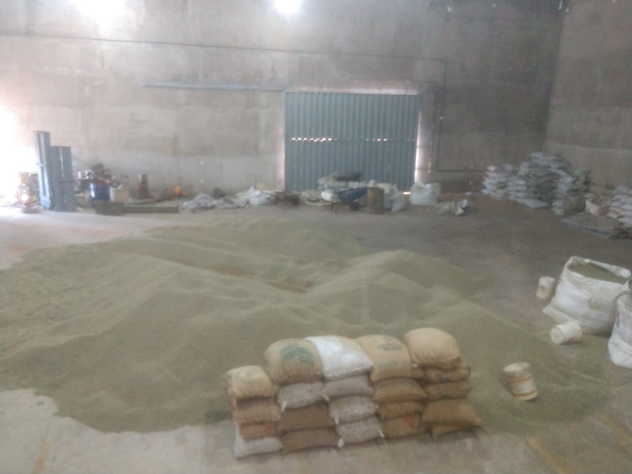 PM prende trio por roubo de carga de café em Carmo do Paranaíba