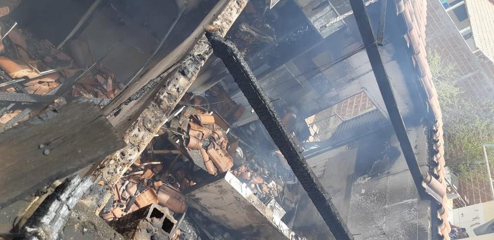 Policial militar é suspeito de atear fogo na casa da ex-companheira em Patos, PB, diz polícia — Foto: Corpo de Bombeiros/Divulgação