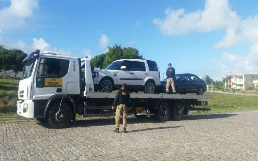 Foram cumpridos oito mandados de condução coercitiva em Salvador, Lauro de Freitas e Camaçari  — Foto: Divulgação / Polícia Rodoviária Federal