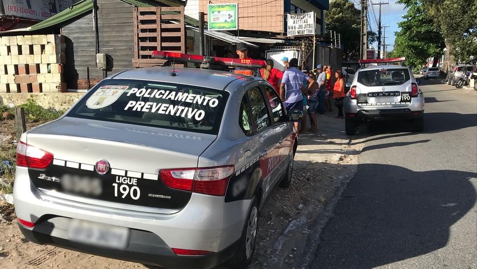 Morador em situação de rua foi morto a facadas na Avenida Tabajaras, em João Pessoa (Foto: Walter Paparazzo/G1)