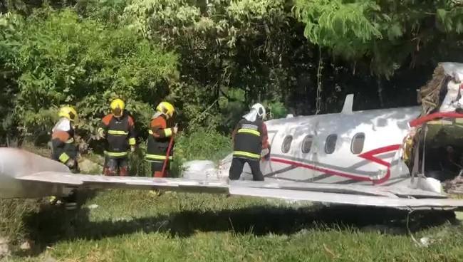 Aeronave sofre acidente no aeroporto da Pampulha em Belo Horizonte