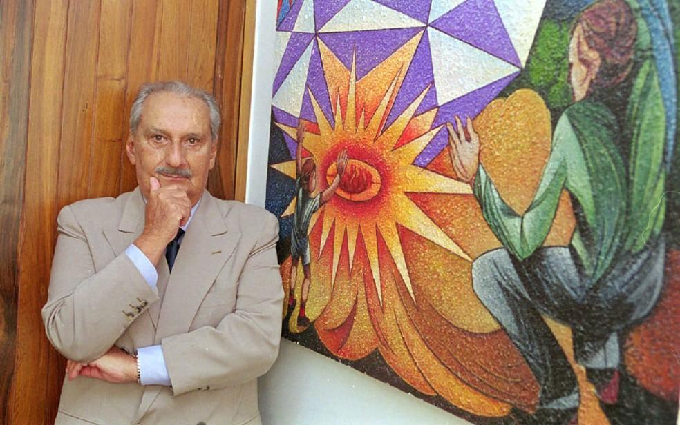 O escritor Carlos Heitor Cony em sua sala no prédio da Manchete, no Rio de Janeiro, em março de 2000 (Foto: Alexandre Campbell/Folhapress/Arquivo)