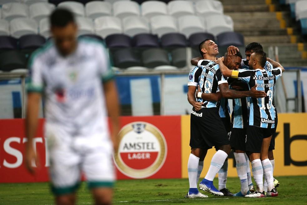 Apesar da queda de rendimento, Grêmio superou La Equidad — Foto: EFE/Diego Vara POOL