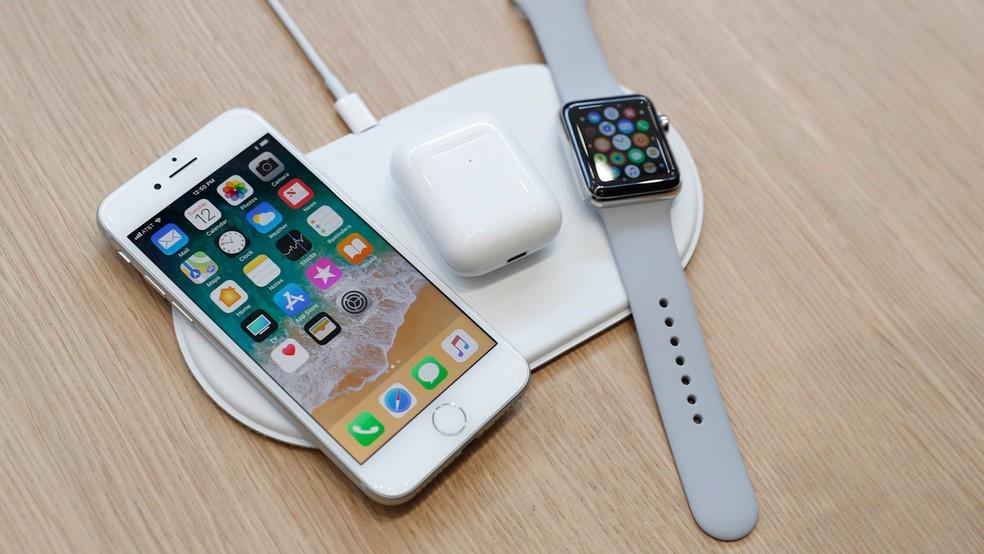 AirPower é uma espécie de tapete capaz de carregar a bateria de vários dispositivos da Apple ao mesmo tempo (Foto: Stephen Lam/Reuters)