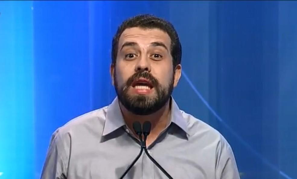O presidenciável Guilherme Boulos (PSOL) no debate da RedeTV! (Foto: Reprodução/RedeTV!)