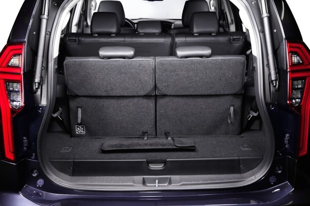 Trunk is reduced with the three rows in use (Photo: Disclosure)