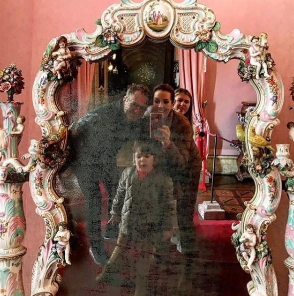 Renata Capucci com a família (Foto: Reprodução / Instagram)