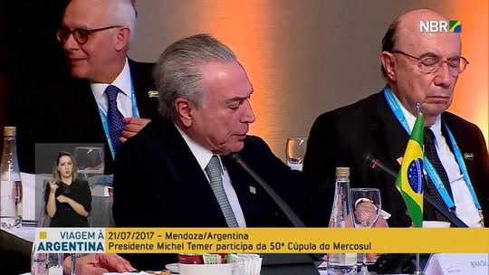 Meirelles cochila enquanto Temer discursa na Cúpula do Mercosul
