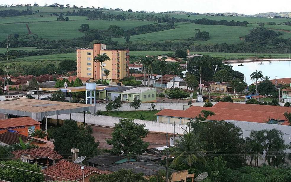 Menino foi baleado ao brincar com arma em chácara de Carmo do Rio Verde, Goiás — Foto: Wildes Barbosa
