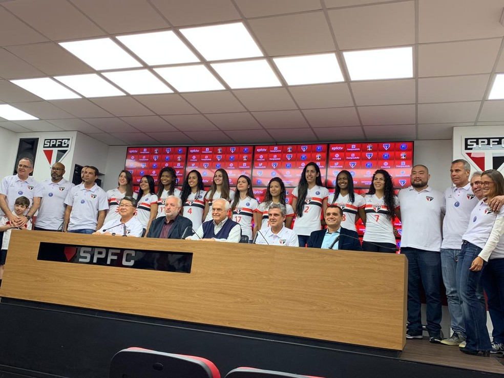 Apresentação time São Paulo/Barueri vôlei José Eoberto Guimarães — Foto: Érica Hideshima