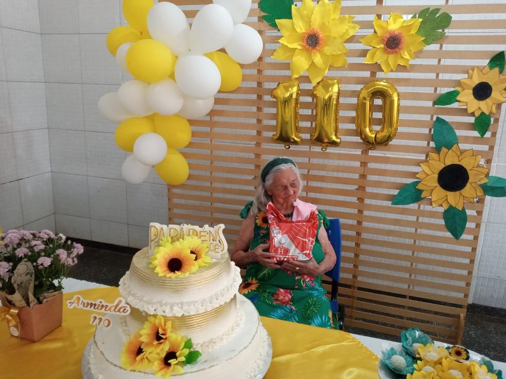 Arminda da Silva completa 110 anos  — Foto: Abrigo Bom Jesus