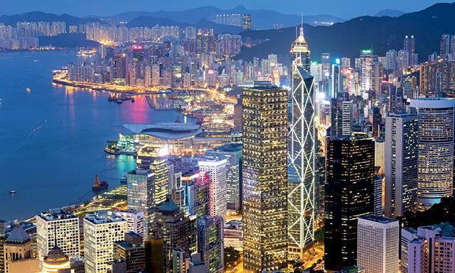 Cidades grandes, como Hong Kong, mostram-se melhores em aproveitar novas ideias, afirma o economista (Foto: Daniel Vfung/ Getty Images)