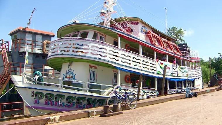 Barco leva literatura para 5 comunidades do Arquipélago do Bailique, em Macapá