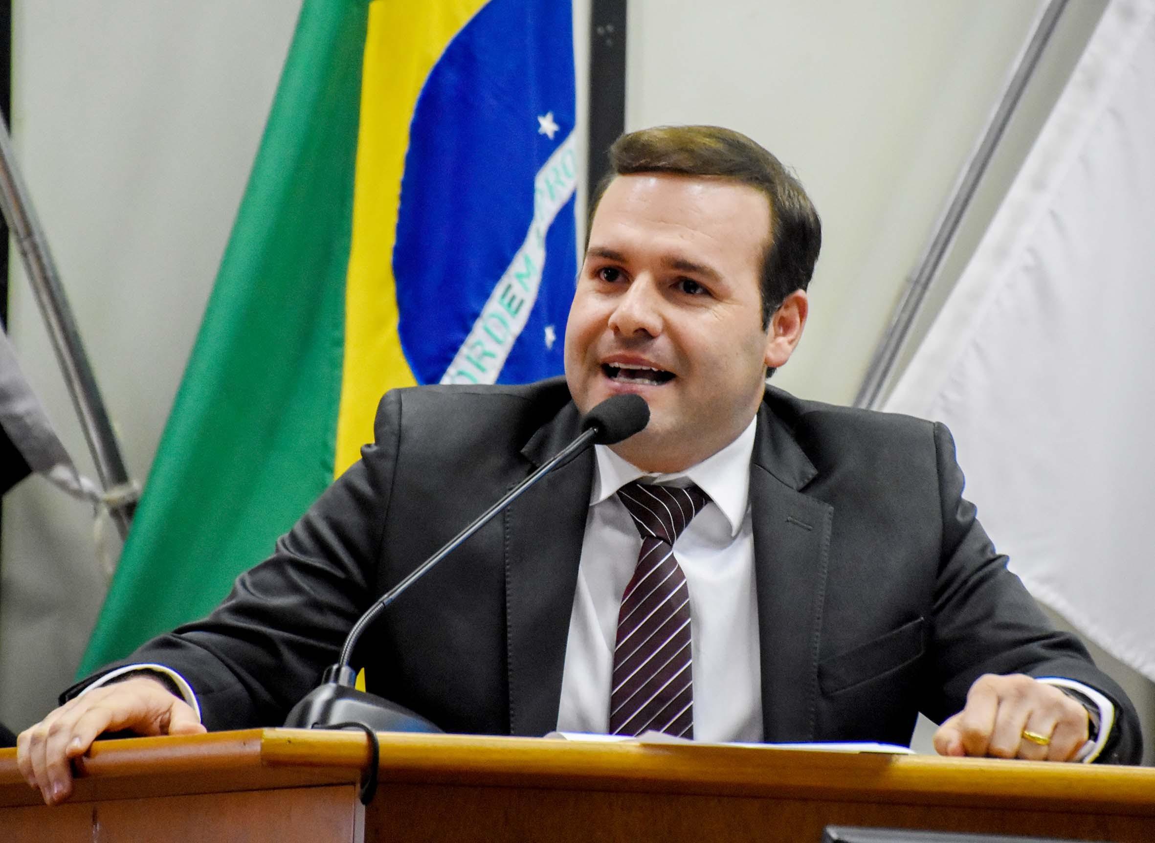 Igor Oliveira é eleito presidente da Câmara de Ribeirão Preto para 2018; veja formação da mesa diretora