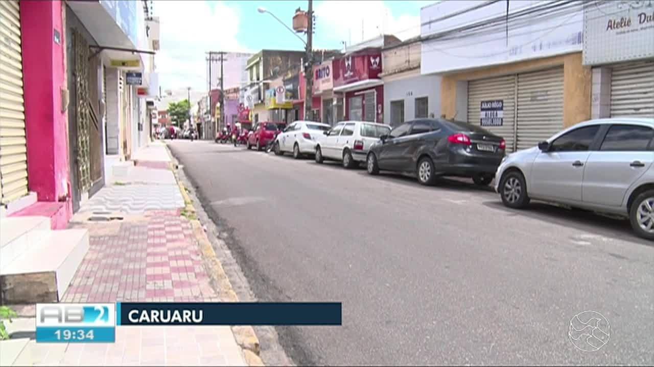 Empresas entregam pontos físicos por crise financeira em Caruaru