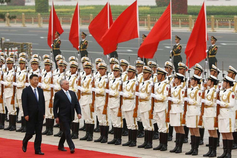 Xi Jinping, presidente da China, recebe Temer em Pequim (Foto: Thomas Peter/Reuters)