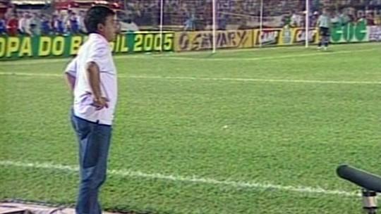 """Corinthians volta a Maringá após 14 anos de tropeço """"galáctico""""; reveja a partida"""